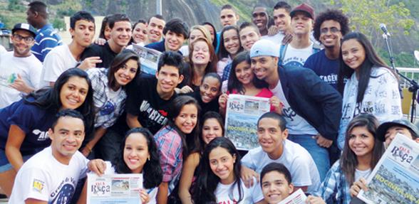 Festa nordestina no lançamento do jornal Fala Roça, o primeiro periódico impresso sobre a cultura do nordeste na Rocinha